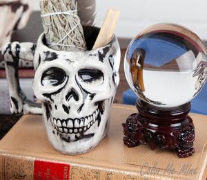 Oxnard Antiqued Skull Mug